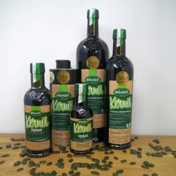 Kürbiskernöl Flaschen