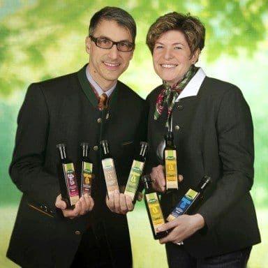 Anita & Wilfried Lackner mit den Naturölebn